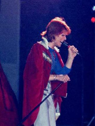 glam Bowie 1974